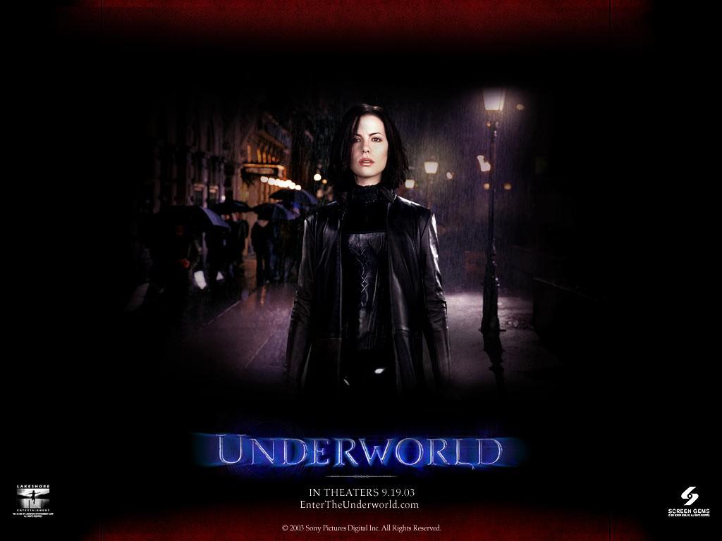 Un wallpaper di Kate Beckinsale nella parte di Selene nel film 'Underworld'