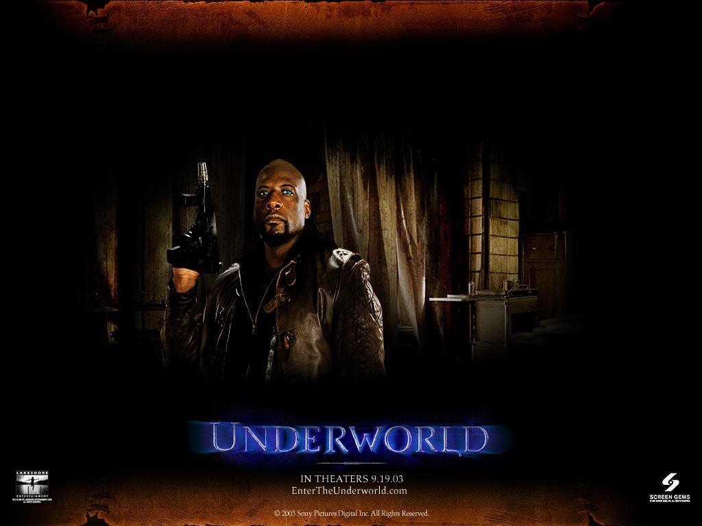 Un wallpaper di Kevin Grevioux nella parte di Raze nel film 'Underworld'