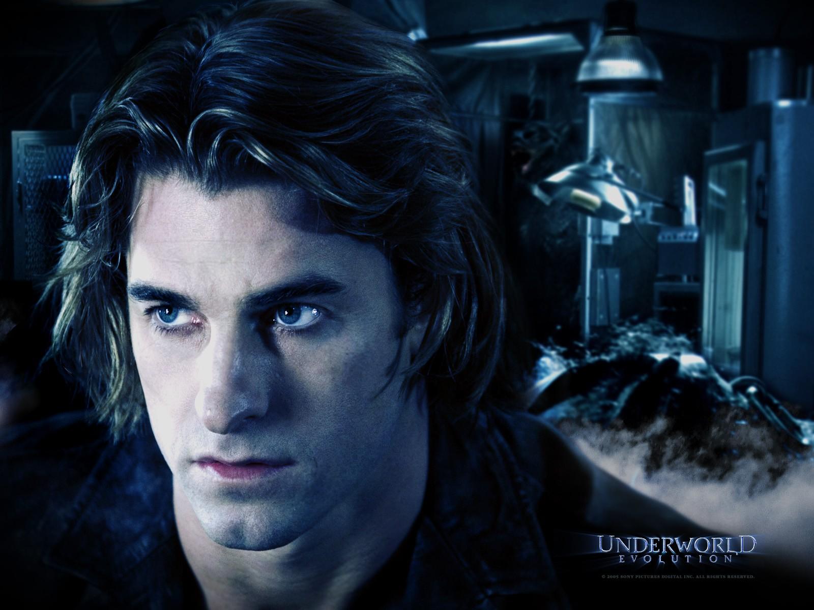 Un wallpaper di Scott Speedman che interpreta Michael Corvin in 'Underworld: Evolution'