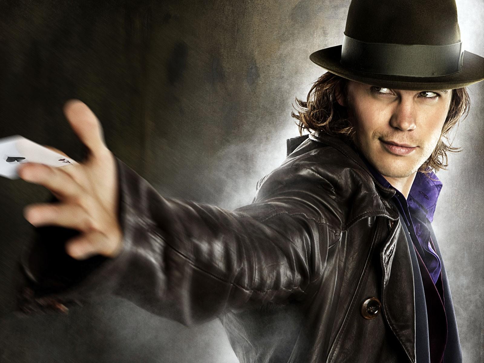 Wallpaper di Taylor Kitsch che interpreta Gambit nel film X-Men - Le origini: Wolverine