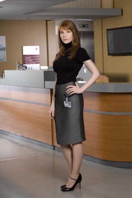 Jacqueline McKenzie è la dottoressa Veronica Hayden-Jones in Mental