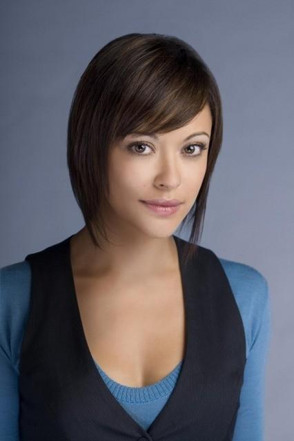 Marisa Ramirez è la dottoressa Chloe Artis in Mental