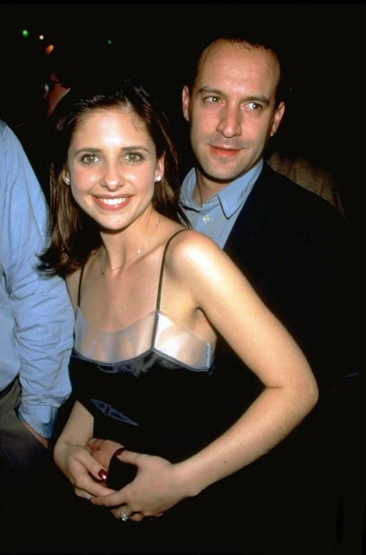 Sarah Michelle Gellar con Roger Kumble