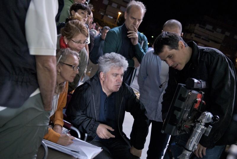 Almodovar sul set di Los Abrazos Rotos, da lui diretto nel 2009
