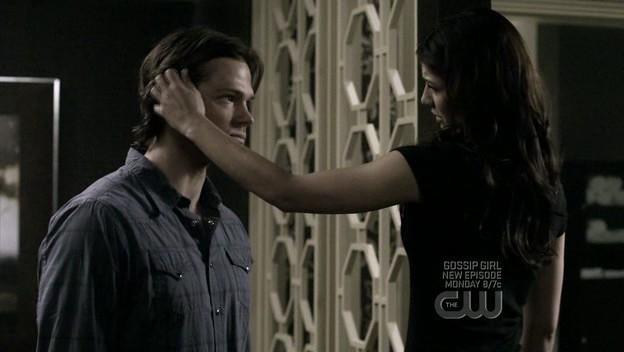 Genevieve Cortese e Jared Padalecki in una scena dell'episodio When the Levee Breaks di Supernatural