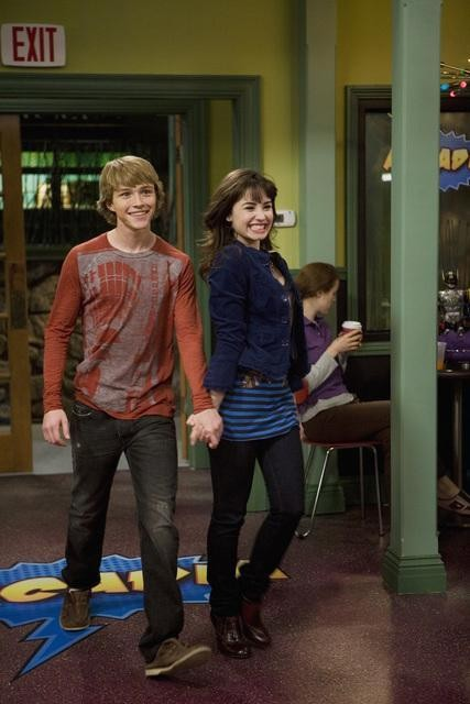 Sterling Knight e Demi Lovato nell'episodio Sonny With a Chance of Dating di Sonny tra le stelle