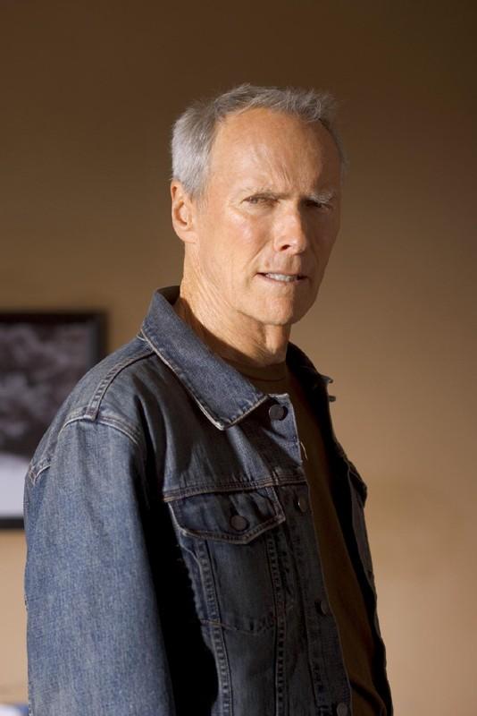 Clint Eastwood è Frankie Dunn in una scena di Million Dollar Baby