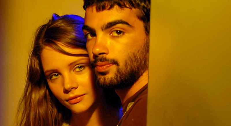 Victoria Larchenko e Primo Reggiani sul set del film Polvere