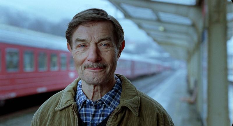 Baard Owe è è il protagonista del film Il treno del signor Horten