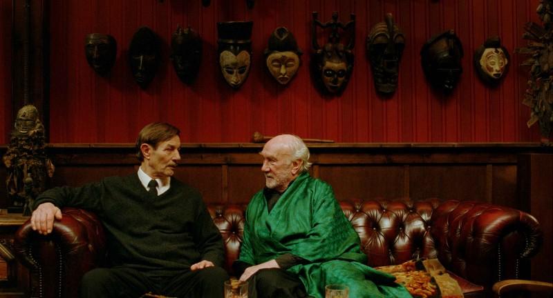 Baard Owe e Espen Skjønberg in una scena del film Il treno del signor Horten
