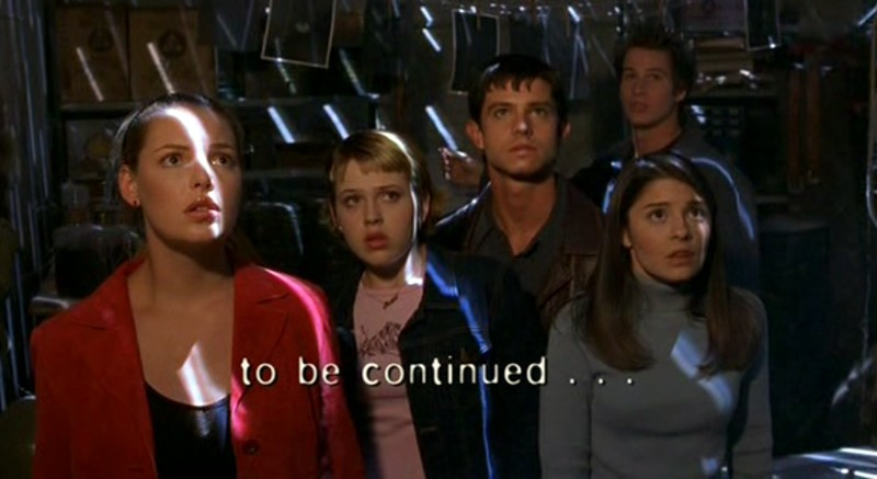 I tre fratelli alieni di Roswell con Liz e Maria nell'episodio 'Statale Sud 285'