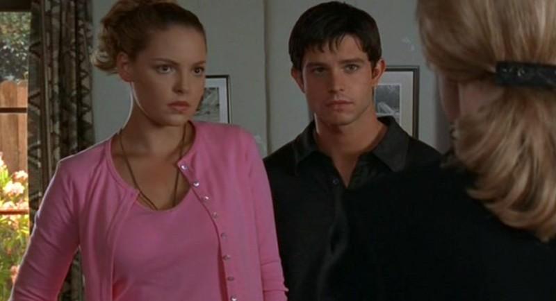 Isabel e Max Evans (K. Heigl e J. Behr) nell'episodio 'River Dog' di Roswell