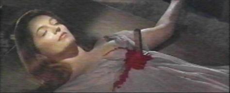 Barbara Shelley morta in una scena di Dracula principe delle tenebre