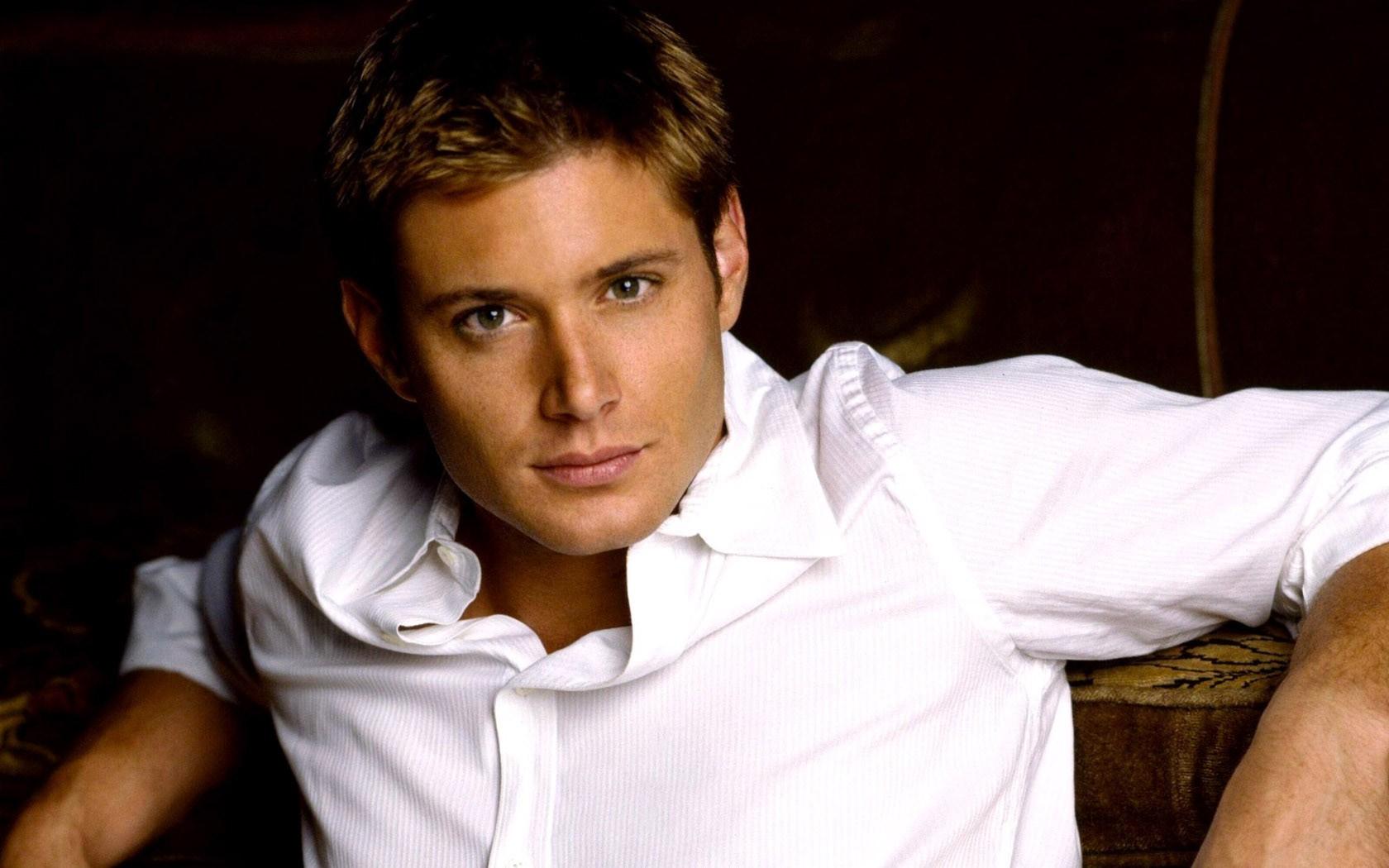 Un wallpaper di Jensen Ackles