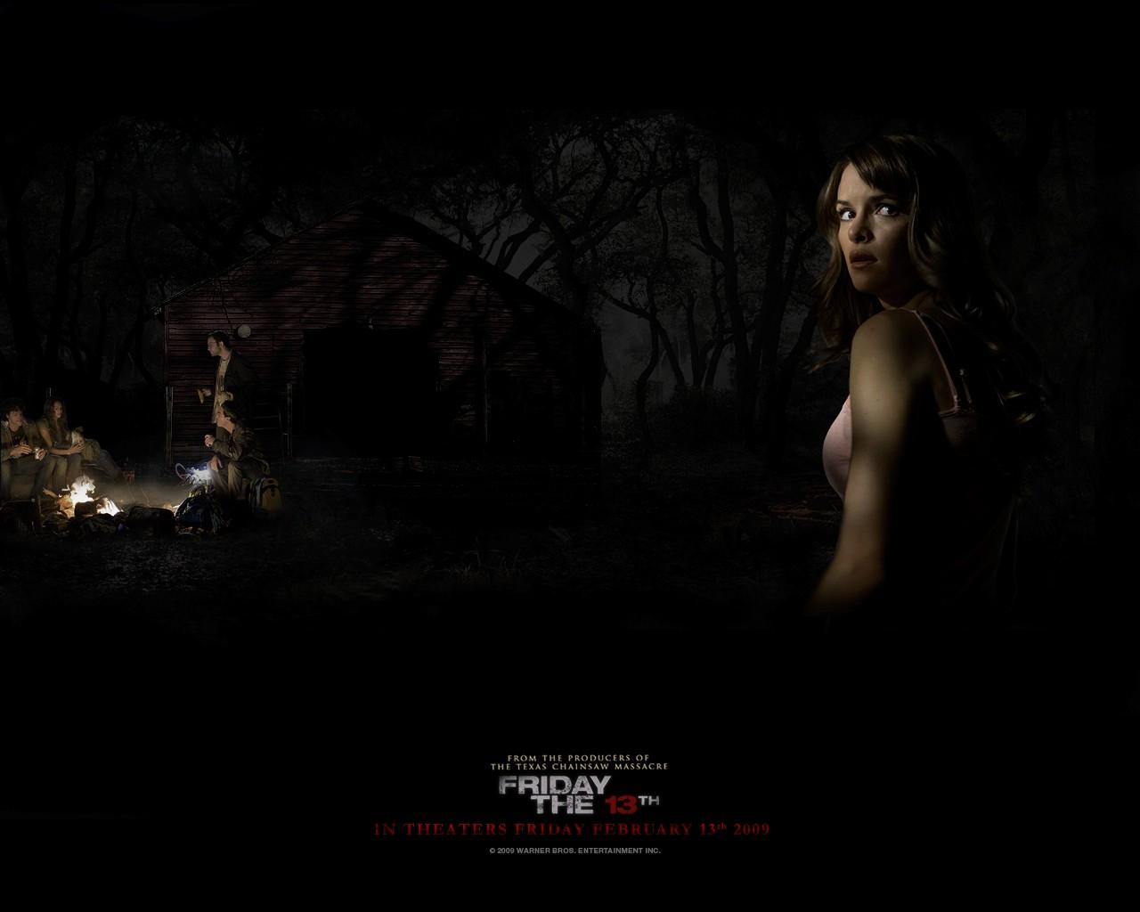 Un wallpaper di Whitney interpretata da Amanda Righetti nel film 'Venerdì 13'