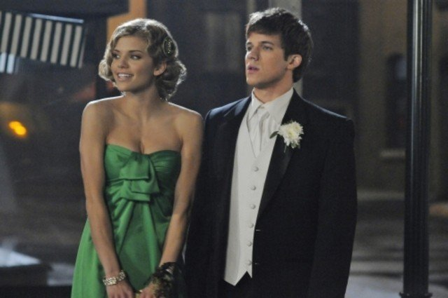 AnnaLynne McCord e Matt Lanter nell'episodio Zero Tolerance di 90210