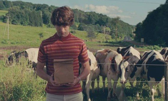 Demetri Martin in una scena del film Taking Woodstock, di Ang Lee