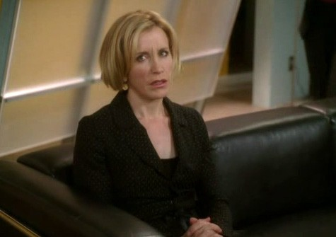 Desperate Housewives: Felicity Huffman in una scena dell'episodio The Story of Lucy and Jessie