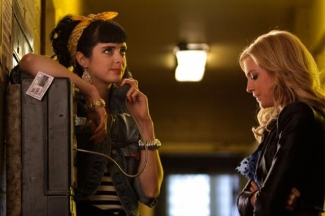 Krysten Ritter e Brittany Snow nell'episodio Valley Girls di Gossip Girl
