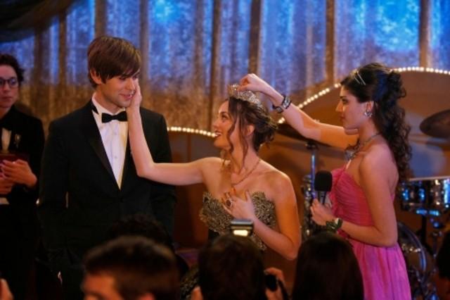 Leighton Meester, Amanda Setton e Chace Crawford in una scena dell'episodio Valley Girls di Gossip Girl