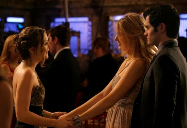 Leighton Meester, Blake Lively e Penn Badgley  nell'episodio Valley Girls di Gossip Girl