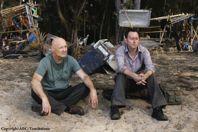 Michael Emerson e Terry O'Quinn nell'episodio The Incident, finale della stagione 5 di Lost