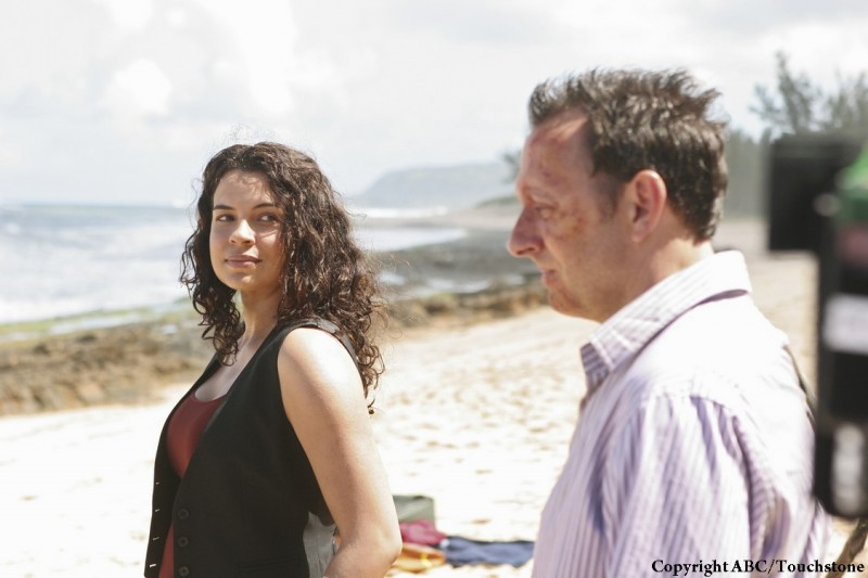 Michael Emerson e Zuleikha Robinson nell'episodio The Incident, finale della stagione 5 di Lost