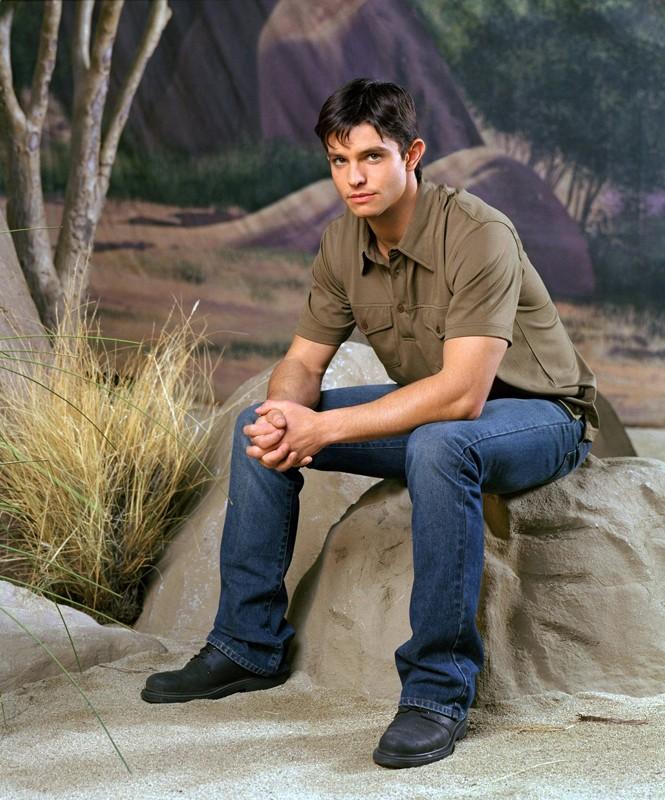 Jason Behr in una foto promozionale della serie Roswell