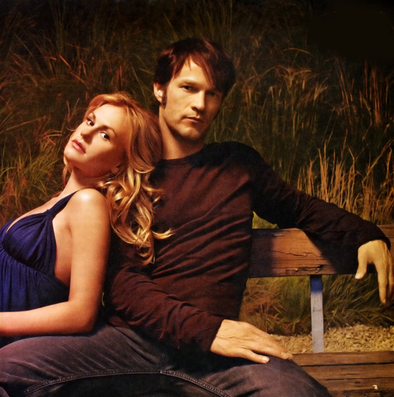 Stephen Moyer e Anna Paquin in una foto promo del tv show True Blood