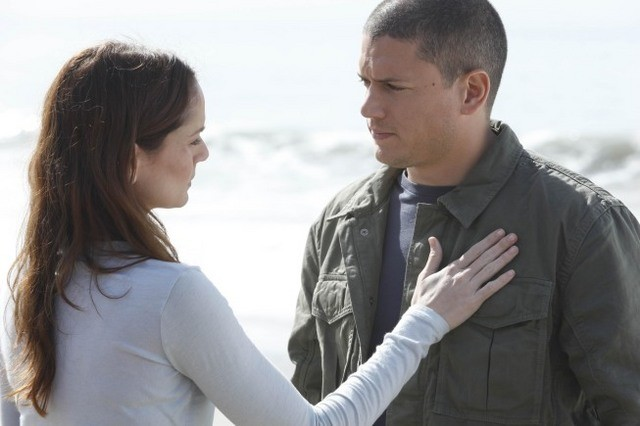 Wentworth Miller e Sarah Wayne Callies in una scena dell'episodio Killing Your Number di Prison Break