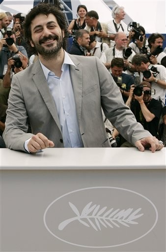 Cannes 2009: un sorridente Filippo Timi presenta Vincere, nel quale interpreta il giovane Mussolini