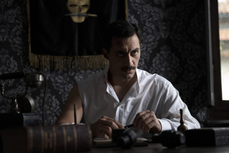 Filippo Timi in una scena del film Vincere