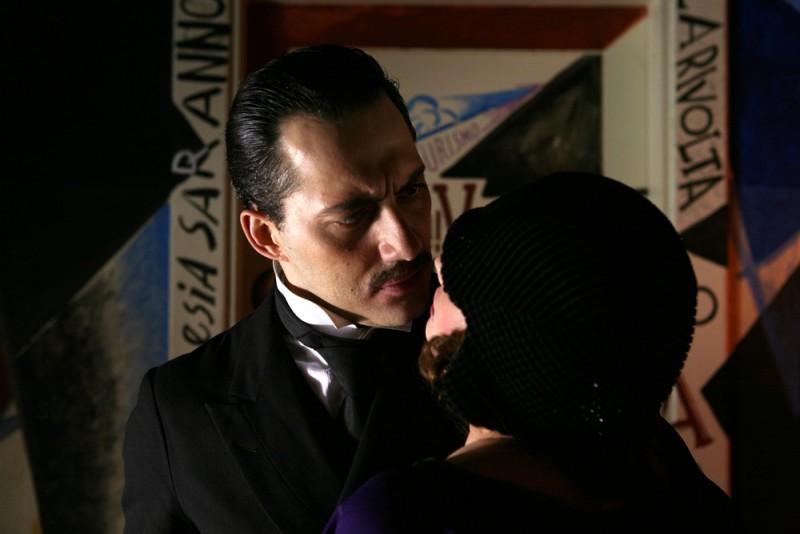 Filippo Timi in una scena del film Vincere, diretto da Marco Bellocchio