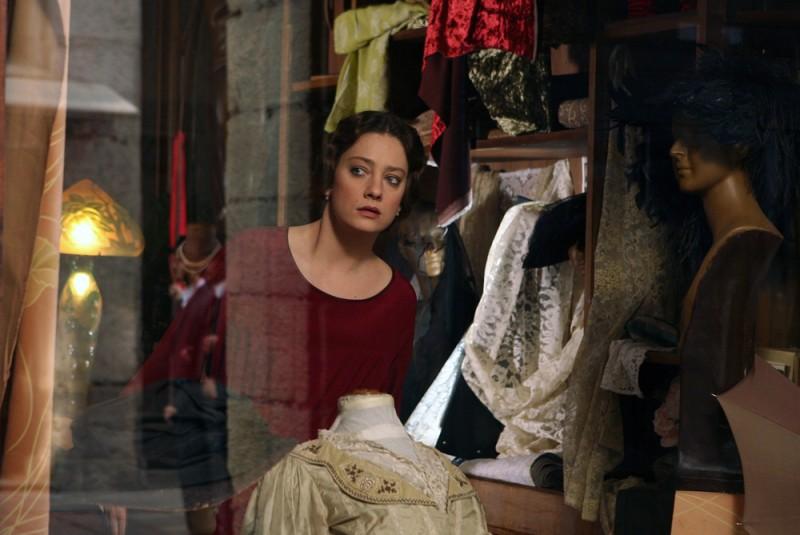 Giovanna Mezzogiorno nei panni di Ida Dalser, l'amante di Mussolini in una scena del film Vincere