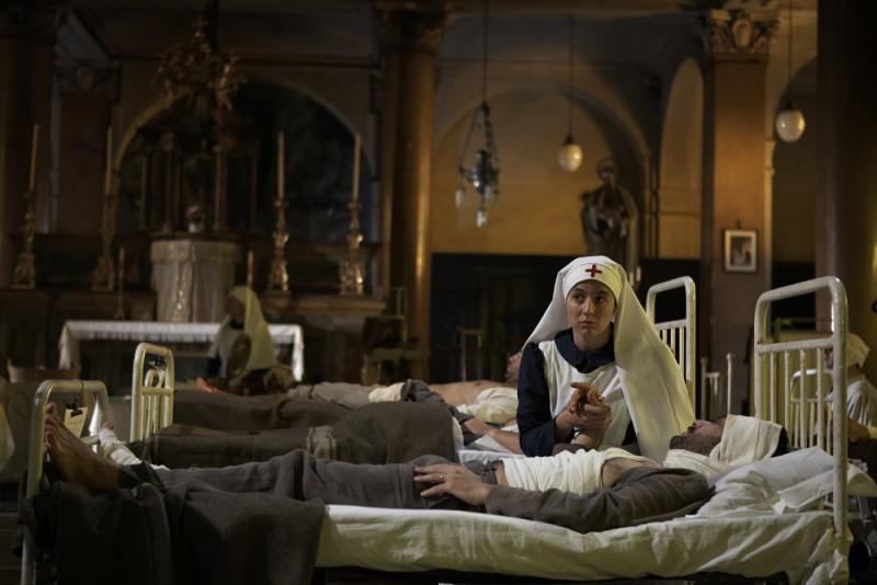 Michela Cescon e Filippo Timi in una scena del film Vincere