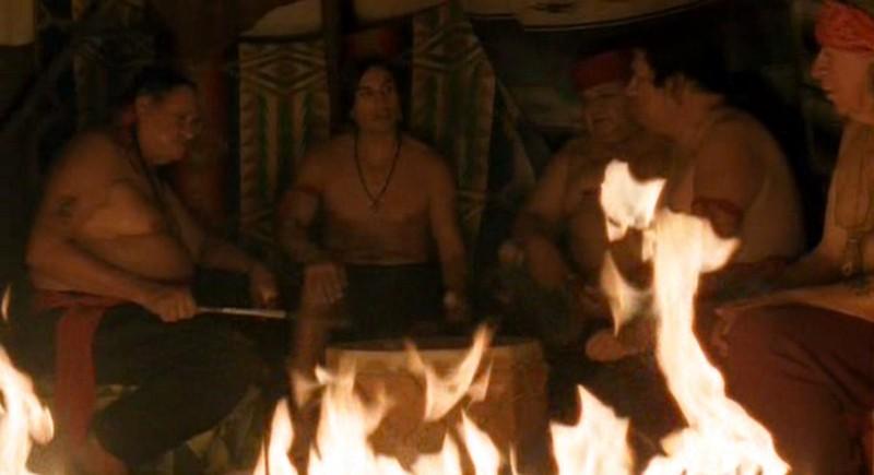 Gruppo d'indiani della riserva nell'episodio 'Un passo indietro' di Roswell