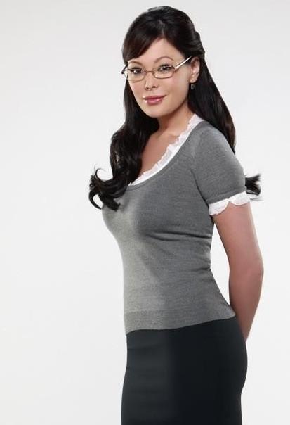 Lindsay Price è Joanna Frankel nella serie TV Eastwick