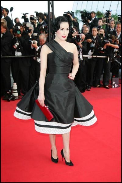 Cannes 2009: la diva del burlesque, Dita Von Teese, sul red carpet