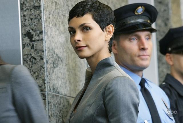 Morena Baccarin nel pilot della nuova serie V