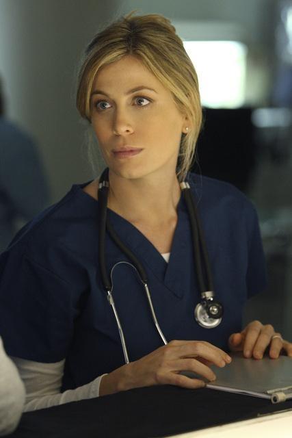 Sonya Walger in una scena del pilot di Flash Forward
