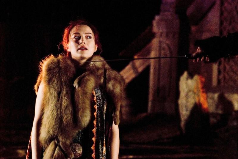 Sophia Myles interpreta Freya in Outlander