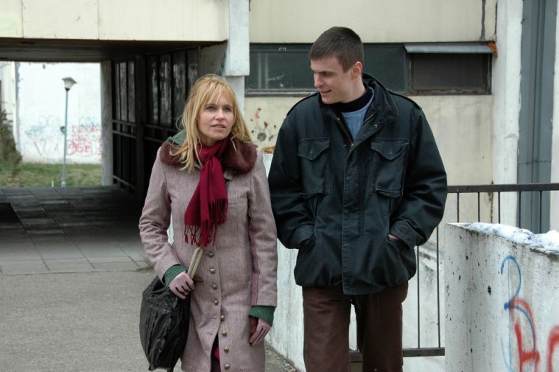 Anica Dobra e Vuk Kostic in un'immagine del film Amore & altri crimini