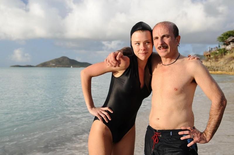 Carlo Buccirosso in una scena di Un'estate ai Caraibi