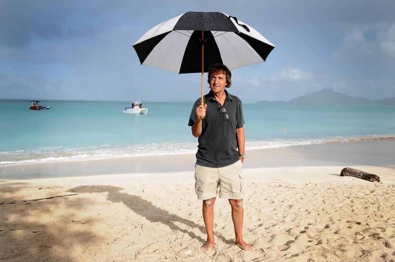 Carlo Vanzina sul set del film Un'estate ai Caraibi