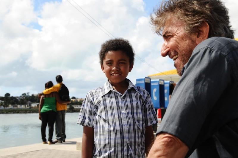 Gigi Proietti in un'immagine del film Un'estate ai Caraibi