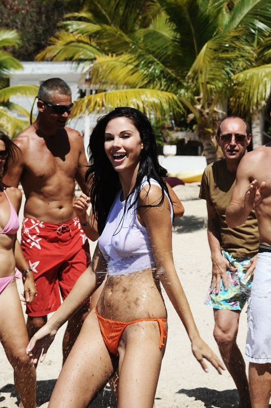 Jayde Nicole in un'immagine di Un'estate ai Caraibi
