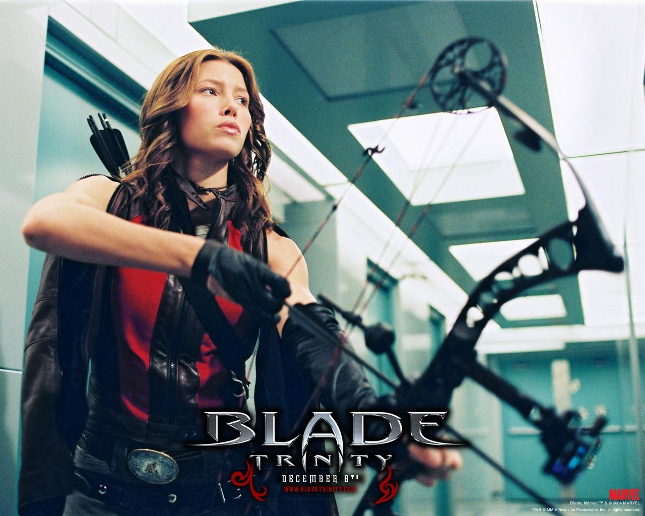 Un wallpaper di Jessica Biel in una scena del film 'Blade: Trinity'