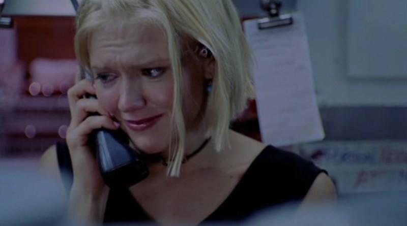 Dominique Swain in una scena del film 'Devour'