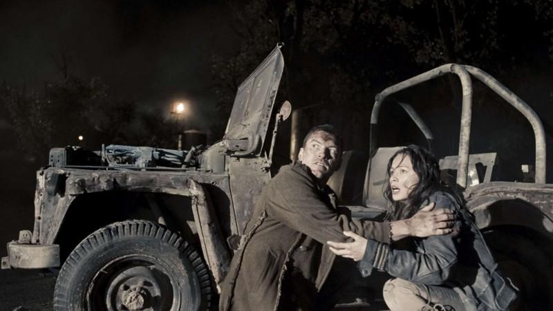 Sam Worthington e Moon Bloodgood in un'immagine di Terminator Salvation