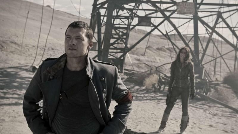 Sam Worthington e Moon Bloodgood in una scena di Terminator Salvation